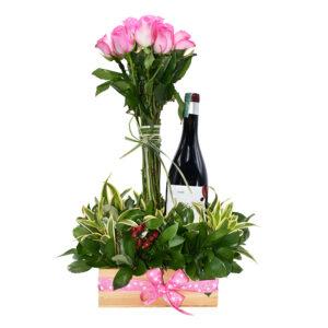 Arreglo floral con vino