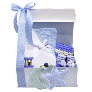 Caja para bebé cobja y juegos