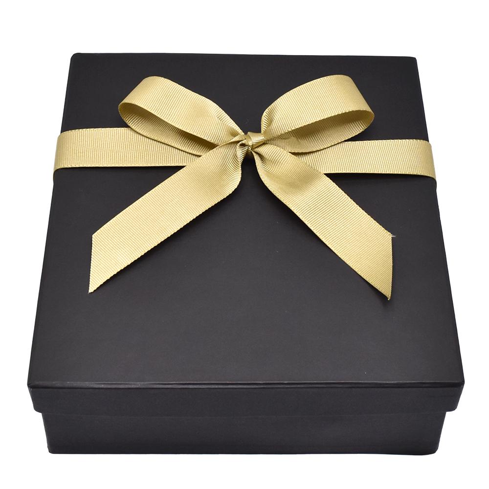Caja para regalo con dorado