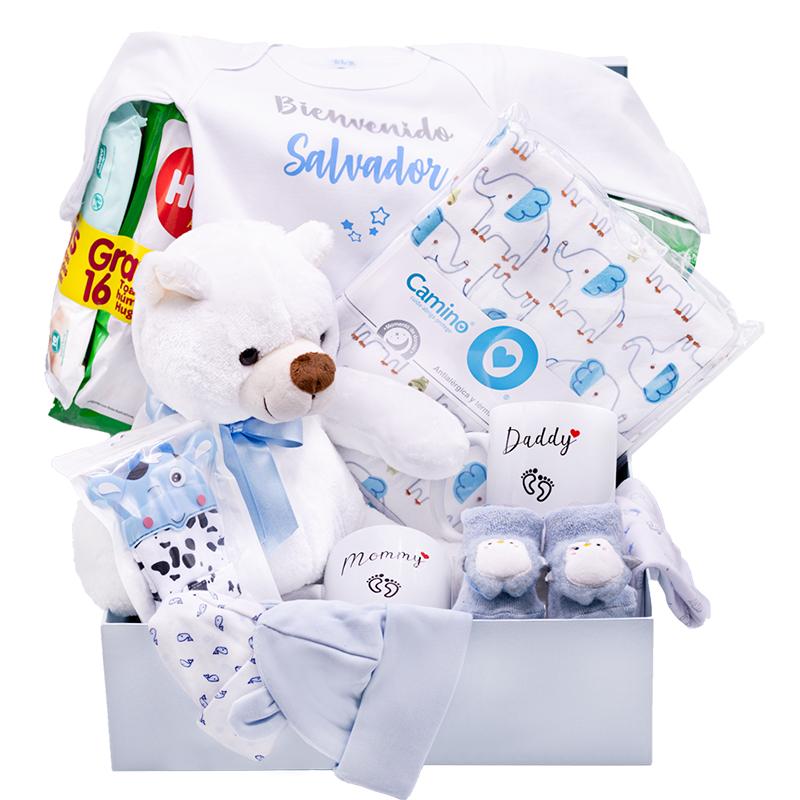 Caja de regalo para bebe recien nacido con body pañales peluche y gorritos