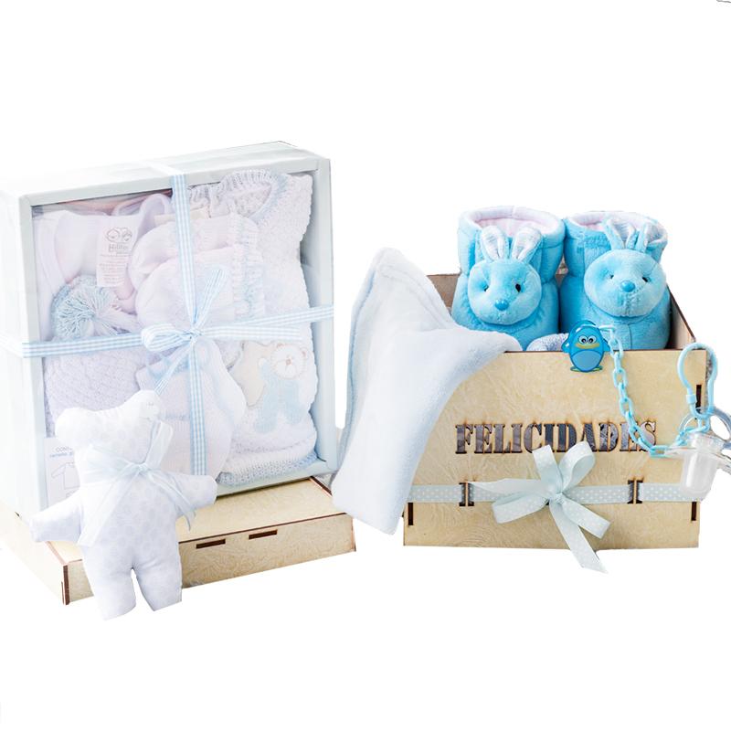 Caja de bebe felicidades con primera muda y babuchas