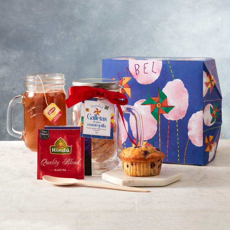 ancheta desayuno sorpresa con cupcake y bolsas de te